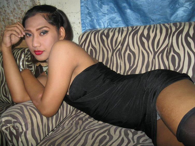 I`m a  sexy shemale - with a nice butt and sexy legs. I will do a fantastic sex show for you! Come in and see for yourself! ;)
