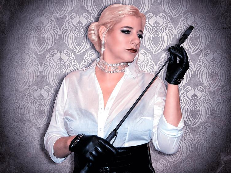 Liebe Jungs kommen in den Himmel, böse zur Madame Doro!