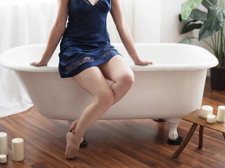 Anal-Sex-Bumsen, Schwanzlutschen, Peeping
