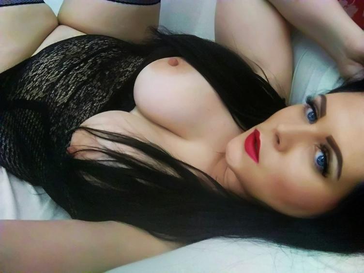 Popo-Sex-Bumsen, Dominant, Fesselspiele, Fetisch, Gangbang, Lack und Leder, Rollenspiele, Sexspielzeug, SM-Sex, Spanking