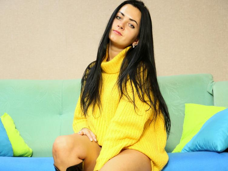 In this show you will find a sexy - intelligent girl - who knows how to make you happy. ;) I show myself only in underwear, not naked. I have long brown hair, and a very hot body - and it`s all waiting for you - right now!