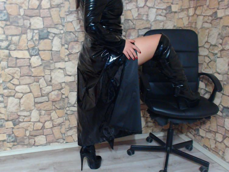 LadyExtreme You have a burning desire to submit and serve do you?