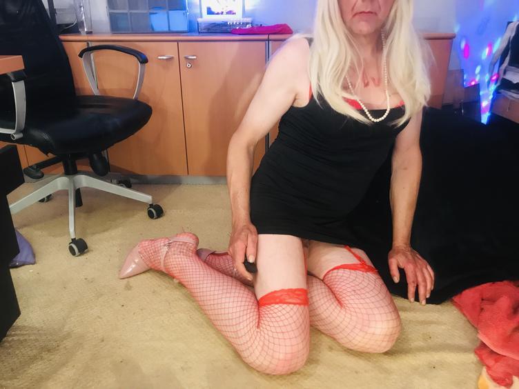 Popo-Sex-Bumsen, Unterwürfig, Public-Nudity, Urin, Lecken, Outdoor, Pornographie, Rollenspiele, Schlucken, Sexspielzeug
