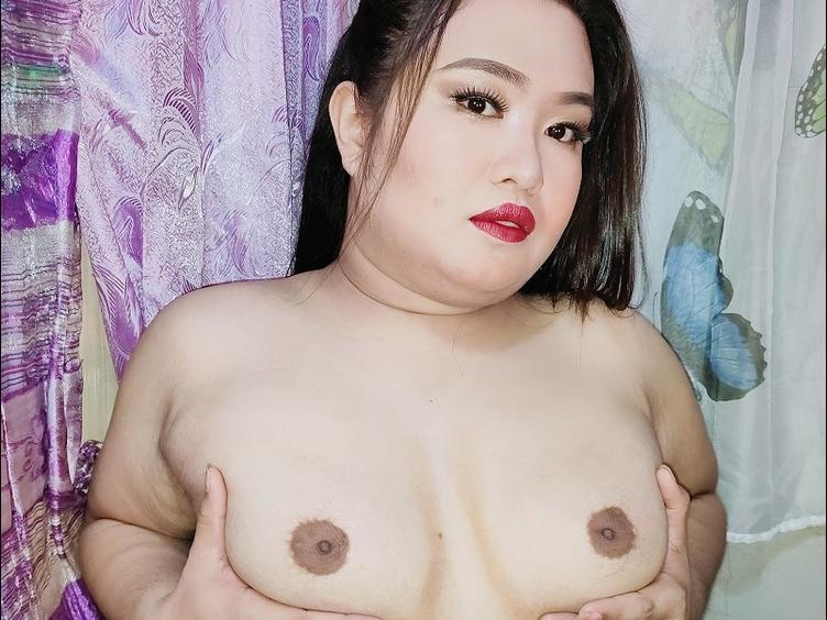 Chubby but Hot !!