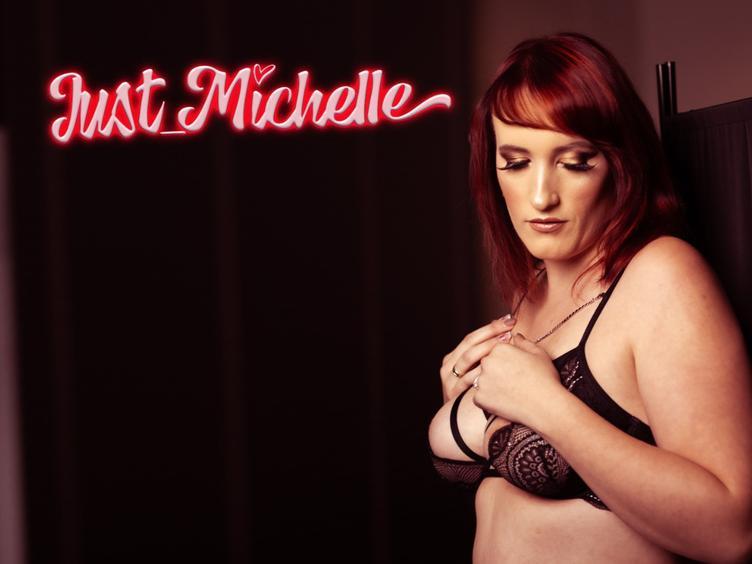 Ich bin hier um mich euch vorzustellen und ein paar heiße Stunden zu verbingen, habt ihr auch Lust, ich freue mich euch kennen zu lernen. Eure Michelle