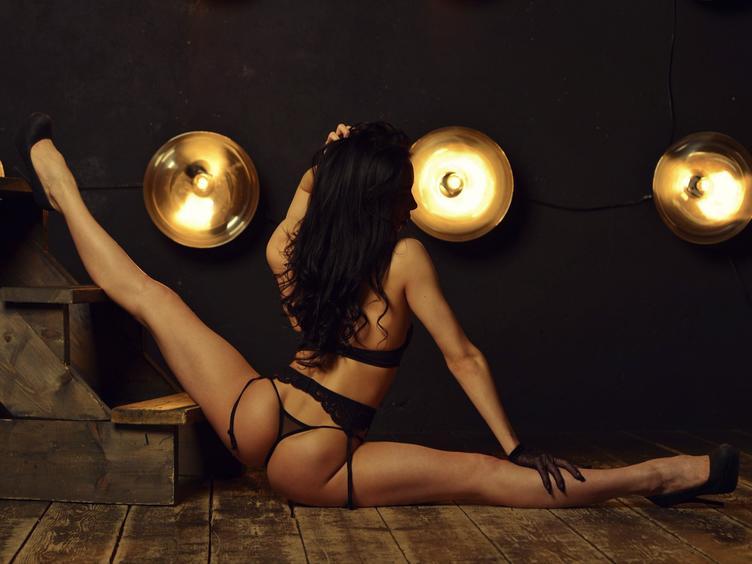 Dominant, Exhibitionismus, Fetisch, SM-Sex, Spanking