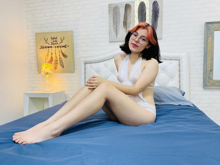 Hallo Süße, du kannst VictoriaKane anrufen,  Ich bin ein professionelles Webcam-Model aus Kolumbien, ich betrachte mich als kontaktfreudige Frau, ich liebe Tanzen, Anime, Rock und Masturbieren, bis ich vor Müdigkeit und Vergnügen nach Luft schnappe.