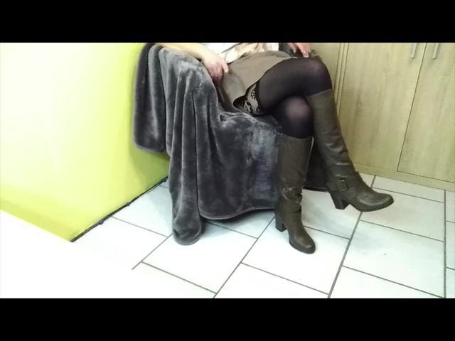 feet-queen - Der Stiefelknecht